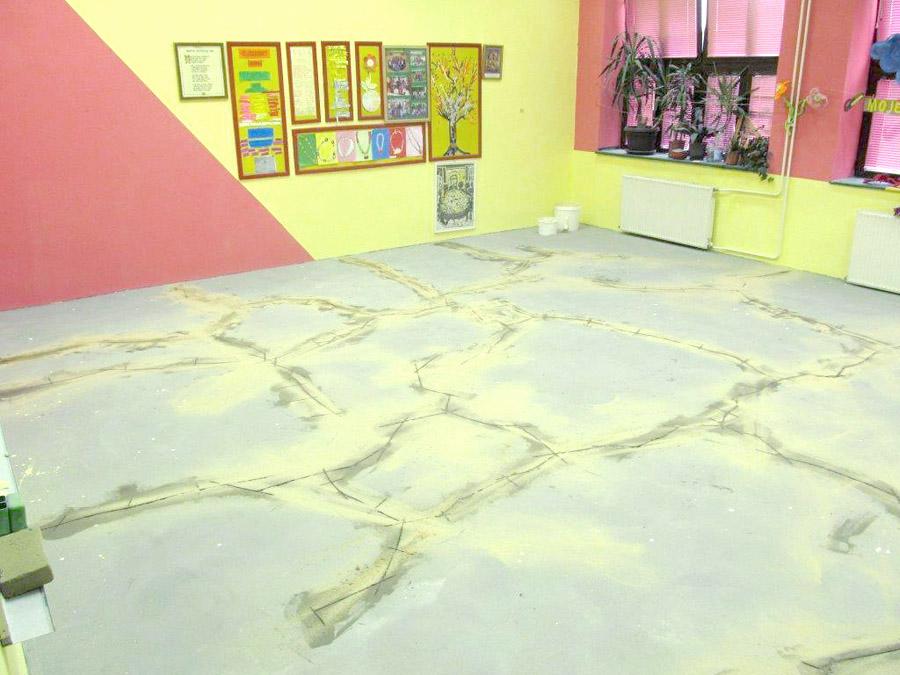Izgled poda ucionice pre ugradnje Takrkett linoleuma