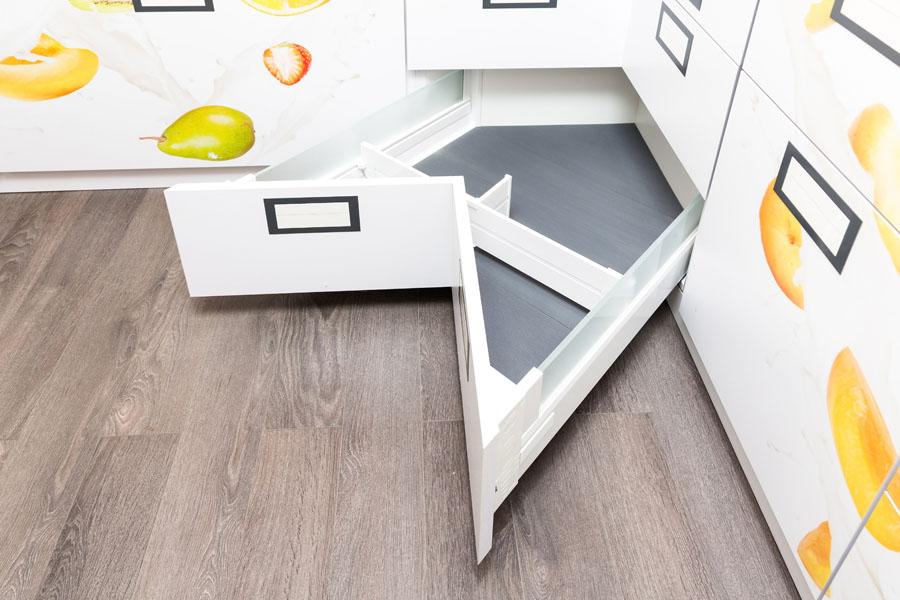 Ugradni-rotirajuci-sistemi-polica-za-kuhinju