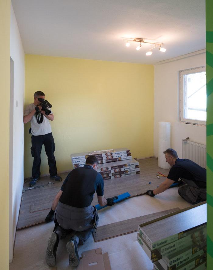 Ugradnja Tarkett laminata u emisiji S Tamarom u akciji u mestu Crna Trava