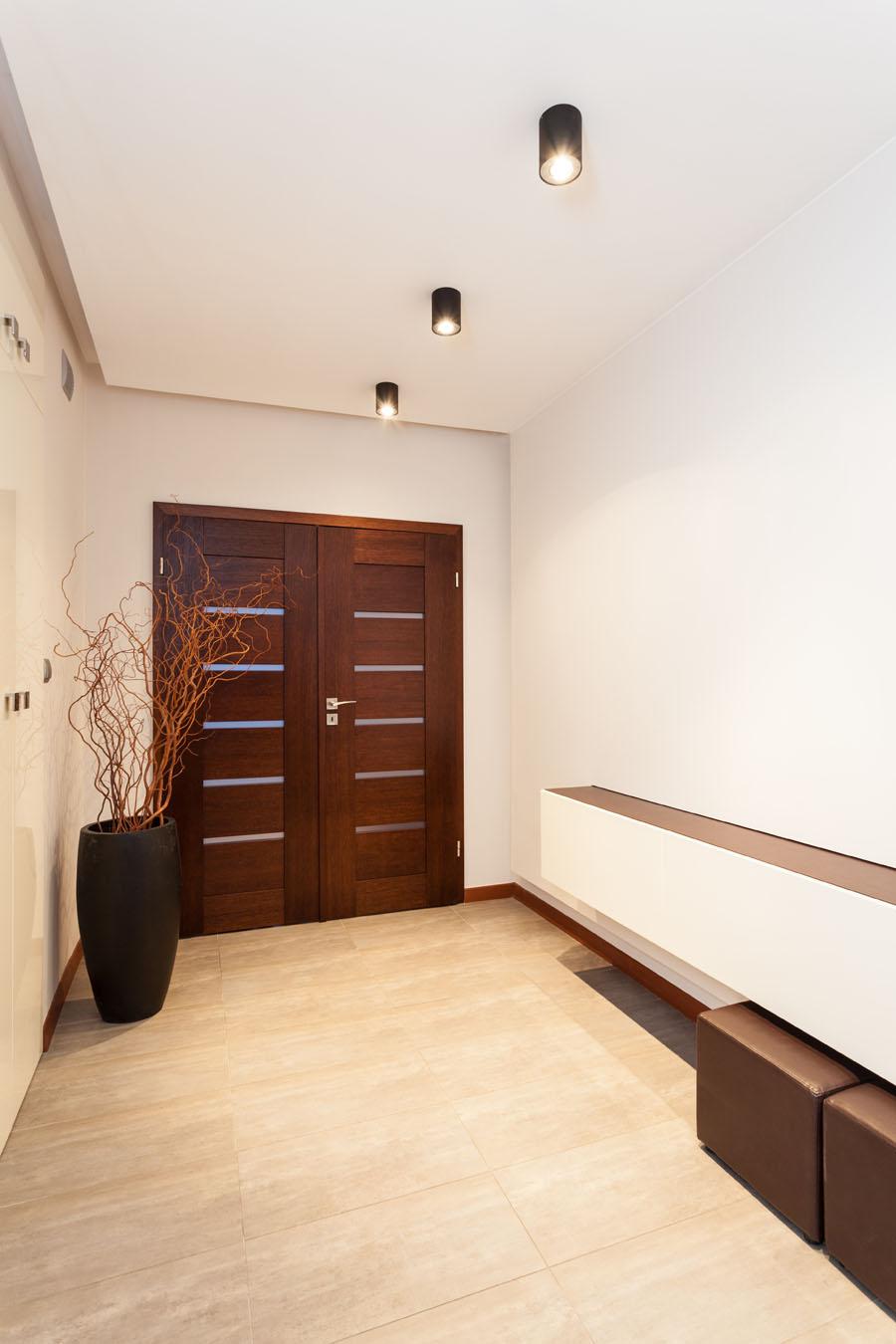 Drvo u ulaznim prostorijama hodnik