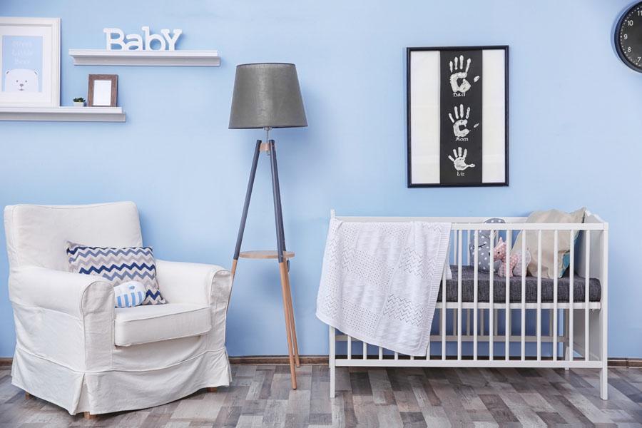 kutak za roditelje u sobi za bebe