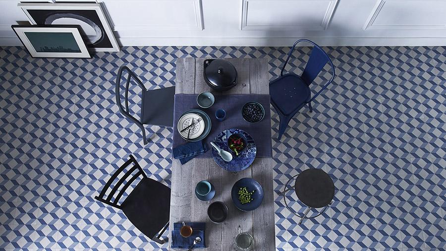 vinil-klasično-plava-uredjenje-kuhinje